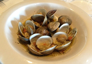 OTH Style Steamed Littleneck Clams